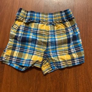 5/20 carters plaid shorts size 3 months